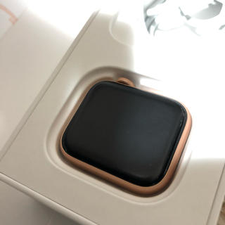 アップル(Apple)のApple Watch SERIES4 GPS 40mm(腕時計)