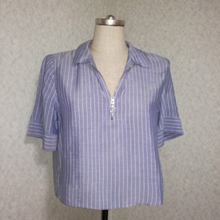 ベルシュカ(Bershka)のBershkaベルシュカ襟付きストライプシルバーリングジップ半袖シャツ(シャツ/ブラウス(半袖/袖なし))
