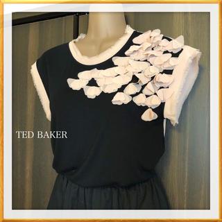 テッドベイカー(TED BAKER)のテッドベイカー 花柄トップス*トッカ アナイお好きな方にも(シャツ/ブラウス(半袖/袖なし))