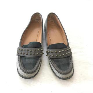 アングリッド(Ungrid)のungrid スタッズローファー(ローファー/革靴)