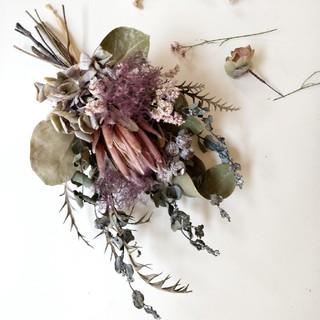 紫陽花とネイティブフラワーの大人色スワッグ(ドライフラワー)