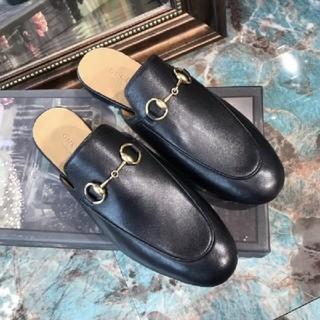 グッチ(Gucci)のGUCCI皮靴(ローファー/革靴)