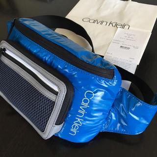 カルバンクライン(Calvin Klein)の超レア★Calvin Klein 軽量型収納たっぷりのユニセックスボディーバッグ(ボディーバッグ)