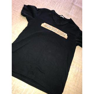 ジーユー(GU)の【シンプル❣️】ゴールドのロゴ入りTシャツ!(Tシャツ(半袖/袖なし))