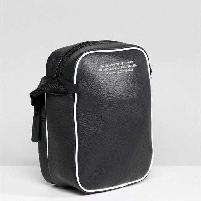 adidas(アディダス)の新作Adidas originals ボディバッグ新品 ウエストポーチ メンズのバッグ(ウエストポーチ)の商品写真