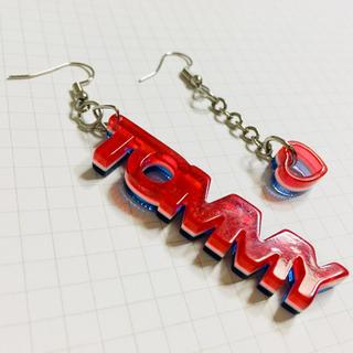 トミーヒルフィガー(TOMMY HILFIGER)の世界で一つ、tommy hilfigerの三層ピアス(ピアス)