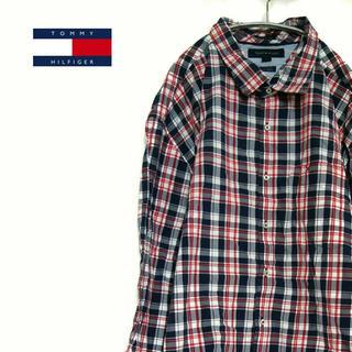 トミーヒルフィガー(TOMMY HILFIGER)の古着☆人気 トミーヒルフィガー  チェックシャツレッド×ネイビー ワンポイント(シャツ)