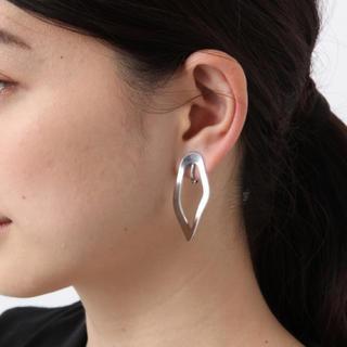 プラージュ(Plage)の耳がいたくなりにくい楕円のシルバーイヤリング(イヤリング)