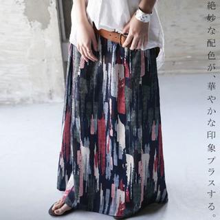 新品タグ無し☆【antiqua】シック アート 柄 スカート ネイビーベース