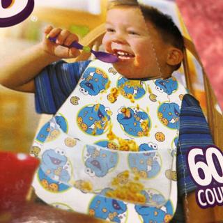 セサミストリート(SESAME STREET)のコストコ!セサミストリートクッキーモンスター子供用お食事エプロン使い捨て32枚(お食事エプロン)