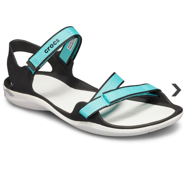 crocs(クロックス)のcrocs サンダル 未使用 レディースの靴/シューズ(サンダル)の商品写真