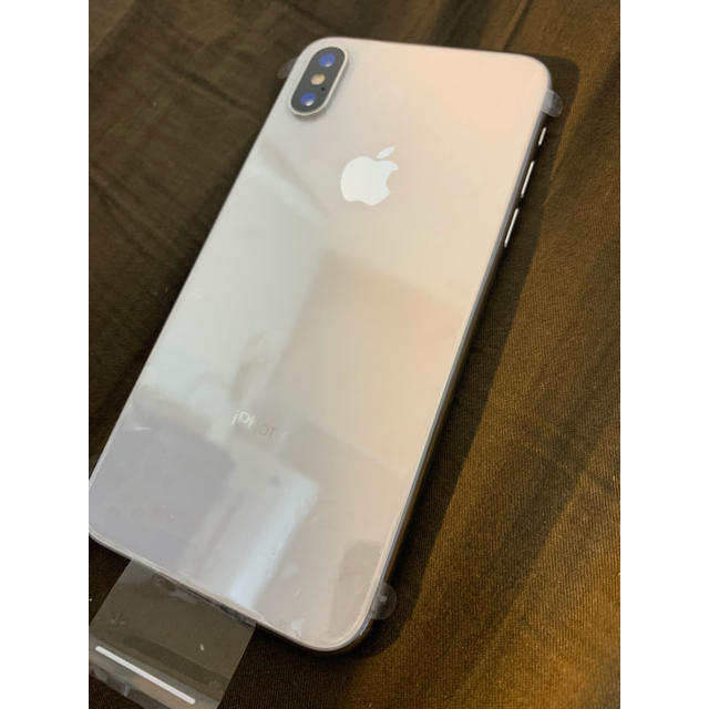 iPhone(アイフォーン)のiPhone X シルバー 64gb simフリー スマホ/家電/カメラのスマートフォン/携帯電話(スマートフォン本体)の商品写真