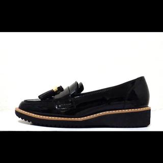 ダイアナ(DIANA)の21.5cm*美品*DIANA 牛革 エナメル プラットフォーム ローファー(ローファー/革靴)
