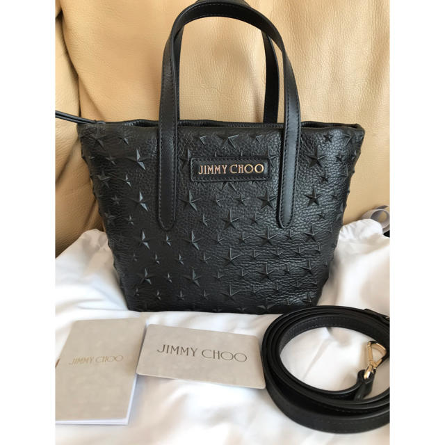 JIMMY CHOO(ジミーチュウ)のJimmy Choo   MINISARA  Black スターエンボス  レディースのバッグ(トートバッグ)の商品写真