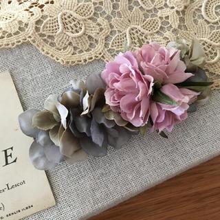 ローズピンクバラとアイスブルー、アンティークグレー紫陽花のバレッタ(ヘアアクセサリー)