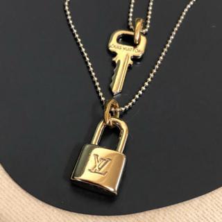 ルイヴィトン(LOUIS VUITTON)のルイヴィトン ゴールド ミニキー🔑&ミニパドロックチャーム美品(チャーム)