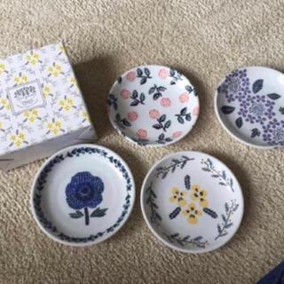 フランフラン(Francfranc)のブーケ お花柄 4枚セット×2箱(食器)
