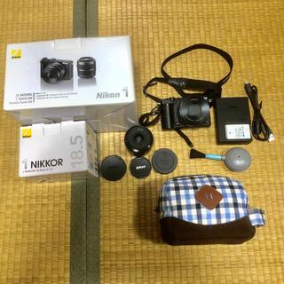 Nikon - Nikon1 J5 ブラック ミラーレス一眼カメラ 単焦点レンズセット