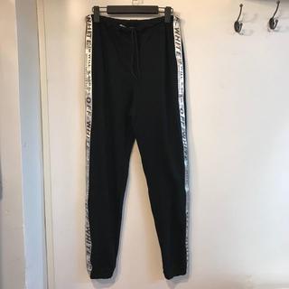 オフホワイト(OFF-WHITE)のOFF-WHITE パンツ ズボン メンズ カジュアルパンツ(スラックス)