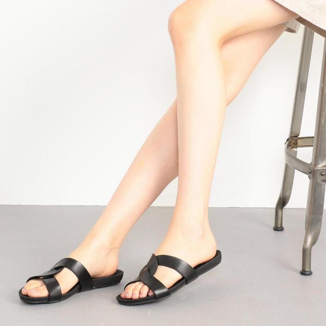 Odette e Odile(オデットエオディール)の【別注】OC PLAKTON&O TwistCross レディースの靴/シューズ(サンダル)の商品写真