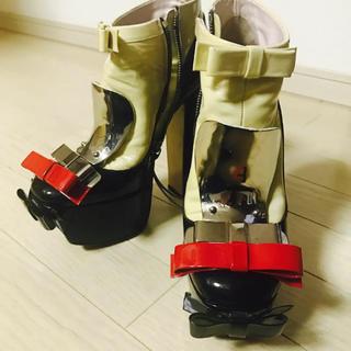 ミュウミュウ(miumiu)のmiumiu ミュウミュウ メタルリボンパテントブーツ 37(ブーツ)
