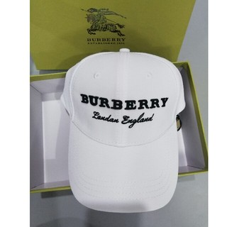 バーバリー(BURBERRY)のburberry バーバリー キャップ 野球帽 ホワイト(キャップ)