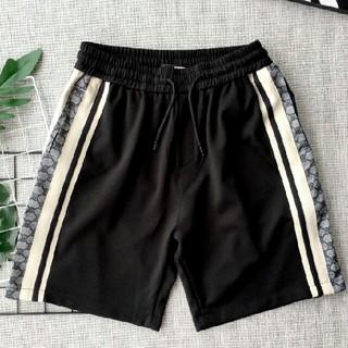 グッチ(Gucci)のgucci 極美品  ロゴ 無地  ブラック 多サイズ ズボン(ショートパンツ)