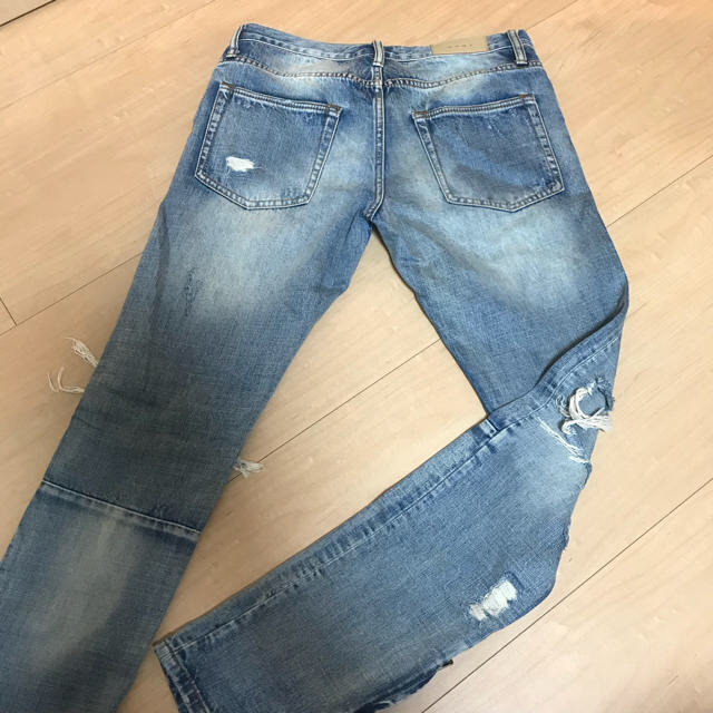 FEAR OF GOD(フィアオブゴッド)のmnml ダメージジーンズ メンズのパンツ(デニム/ジーンズ)の商品写真