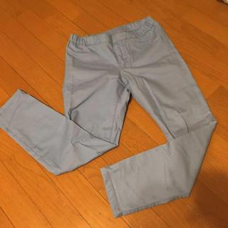 ジーユー(GU)のGU パンツ 淡いブルー(カジュアルパンツ)
