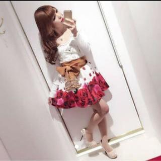 ダチュラ(DaTuRa)のダチュラ 花びらローズフラワーフレアスカート(ひざ丈スカート)