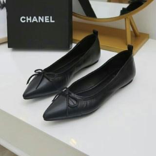 シャネル(CHANEL)のフラットシューズ人気新品 Chanelシャネル 黒 EU39先のとがった靴(フラットシューズ)