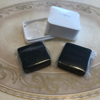 アルソア(ARSOA)のアルソア クイーンシルバー 石鹸、20g×2個。ケースを一つプレゼント(洗顔料)