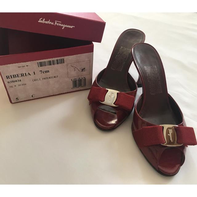 Salvatore Ferragamo(サルヴァトーレフェラガモ)のFerragamo フェラガモ ★ サンダル RIBERIA 5C レディースの靴/シューズ(サンダル)の商品写真