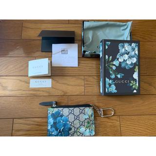 グッチ(Gucci)の極美品 GUCCI グッチ 青 花柄 カードケース Guam購入 パスケース(名刺入れ/定期入れ)