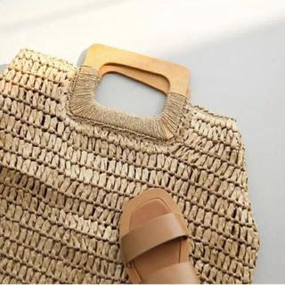 アングリッド(Ungrid)の新品 木製持ち手 ウッド カゴバッグ ビーチバック 籠 籐 カバン(かごバッグ/ストローバッグ)