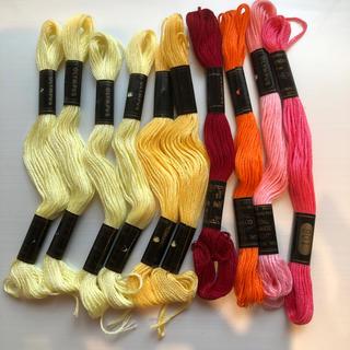 オリンパス(OLYMPUS)のオリンパス刺繍糸 P 合わせて10本(生地/糸)