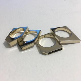 イオッセリアーニ(IOSSELLIANI)の本日限定 IOSSELLIANI リング black+gold (リング(指輪))