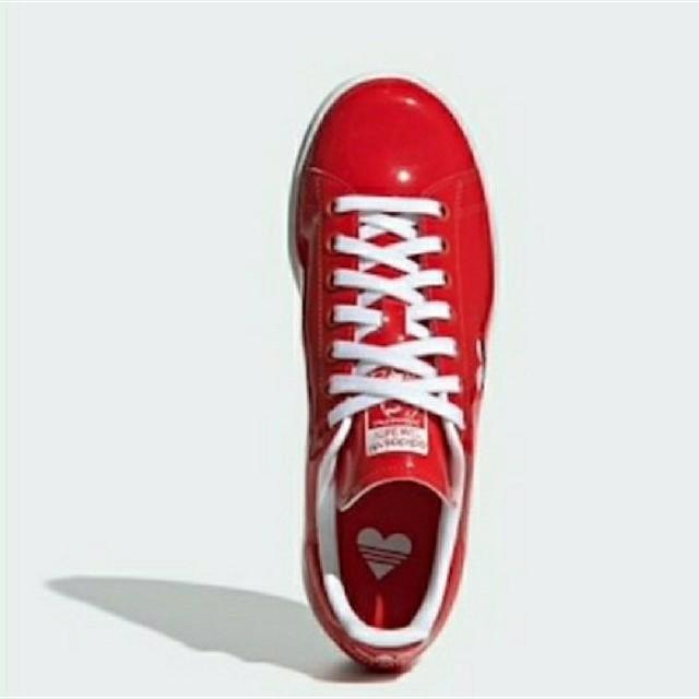 adidas(アディダス)のスタンスミス アディダス スニーカー バレンタイン ハート stan smith レディースの靴/シューズ(スニーカー)の商品写真