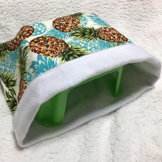 ジャンボ寝袋(パイナップル)(小動物)