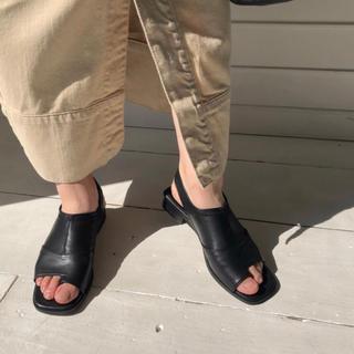 ビューティアンドユースユナイテッドアローズ(BEAUTY&YOUTH UNITED ARROWS)のwillfully thumb leather サンダル(サンダル)