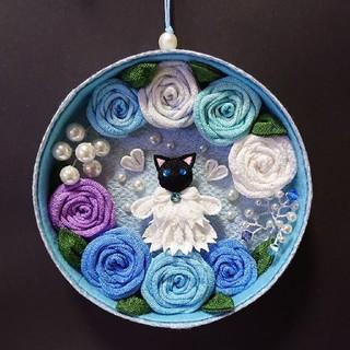 黒猫と薔薇の壁飾り(インテリア雑貨)