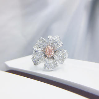 Giaファンシーライトオレンジピンクの豪華花リング(リング(指輪))