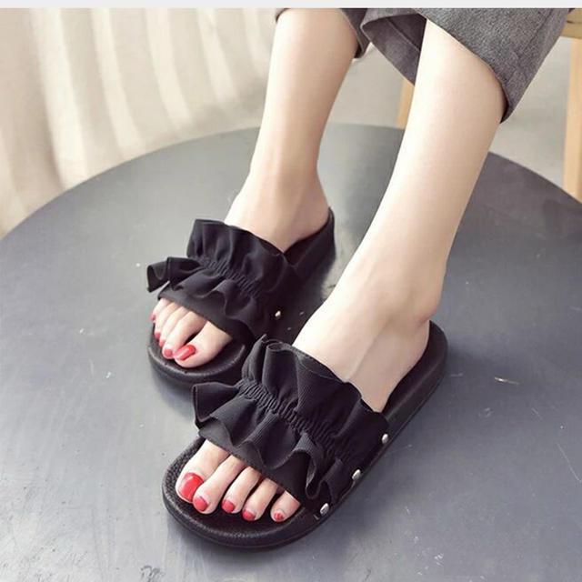 ミュール レディース サンダル 厚底 フリル フラット ビーチサンダル レディースの靴/シューズ(サンダル)の商品写真