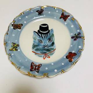 アッシュペーフランス(H.P.FRANCE)のナタリーレテ 陶器 猫のプレート  男の子 入手困難(食器)