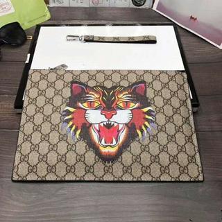 グッチ(Gucci)のGucciファッションビジネスクラッチ(セカンドバッグ/クラッチバッグ)