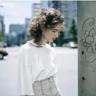 アメリヴィンテージ(Ameri VINTAGE)のアメリビンテージ MEDI SLIT OVER BIG TEE ブラック(Tシャツ(半袖/袖なし))