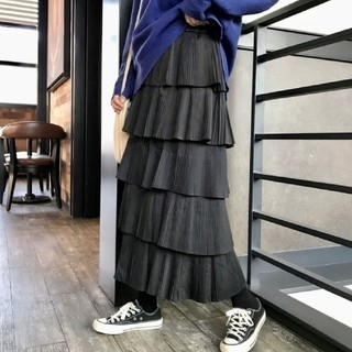 Lily Brown - CAKE PLEATED LONG SKIRT.♡