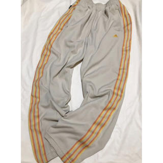 アディダス(adidas)のAdidas training pants (beige)(ウェア)