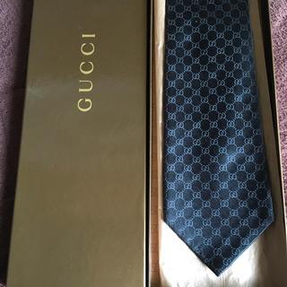 Gucci - 美品 グッチ ネクタイ GG柄