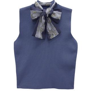 エイミーイストワール(eimy istoire)のスカーフデザインノースリニットプルオーバー(ニット/セーター)